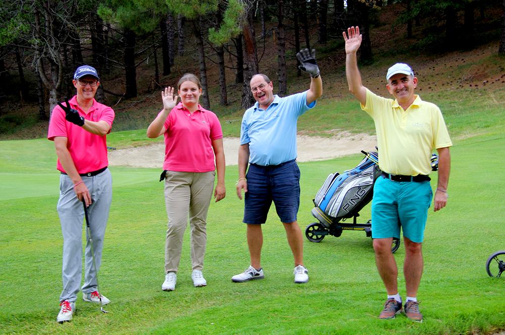 trophee art-en-ciel - participants heureux au golf de belle dune